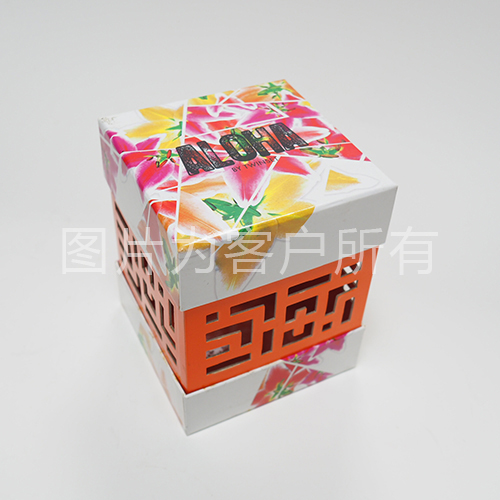 Box body hollow world box
